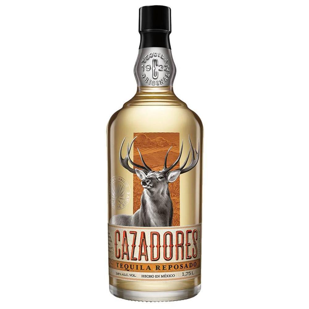 Tequila-Cazadores-Reposado-1.75-L-Bodegas-Alianza
