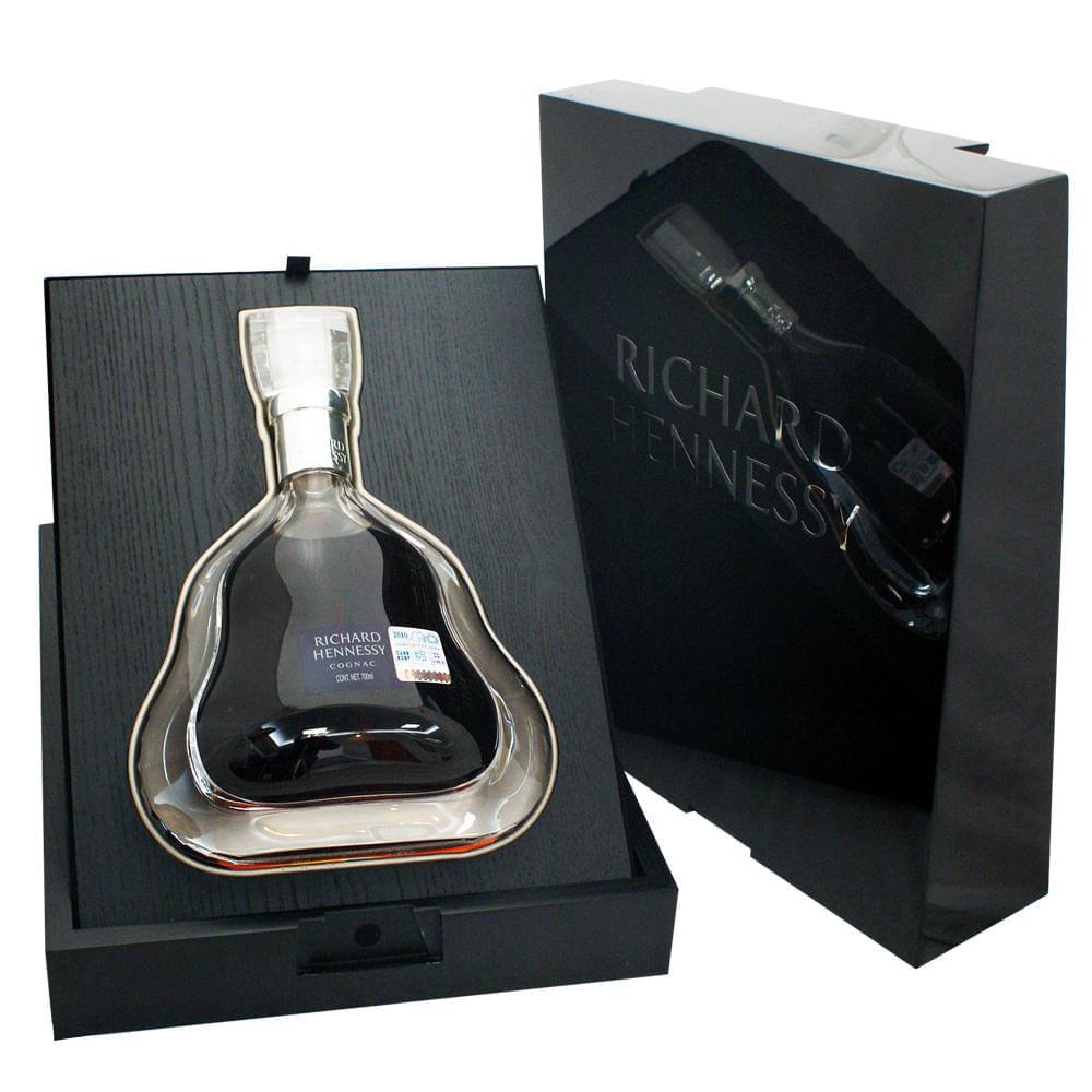 Cognac-Hennessy-Richard-700-mil-con-cofre-Bodegas-Alianza